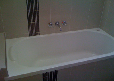 bathtub-cleaning